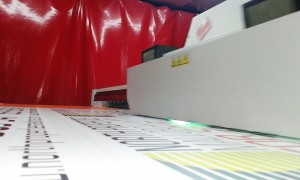 maquina imprimiendo impresión directa sobre rígido