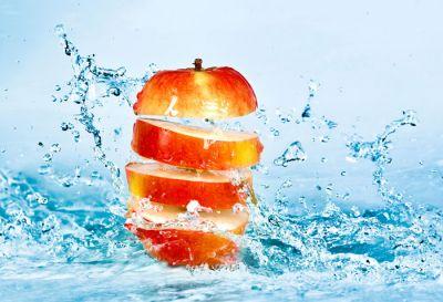 frescura: una manzana troceada