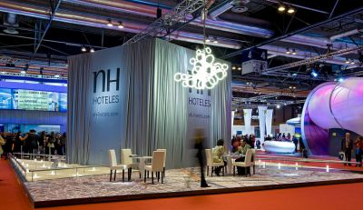 diseño de stand de nh hoteles