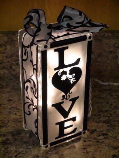 lámpara de cristal decorada con vinilos