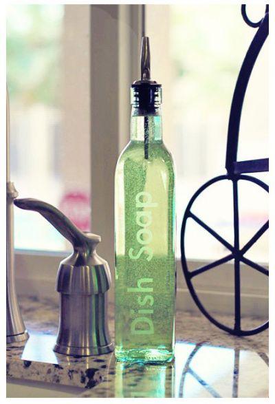botella de jabón decorada con vinilos